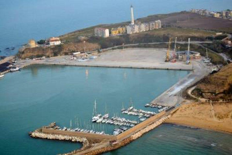 Base Nautica Punta Penna